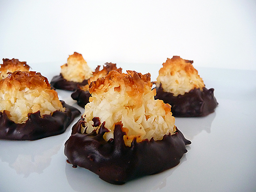 coconut-macaroons-group